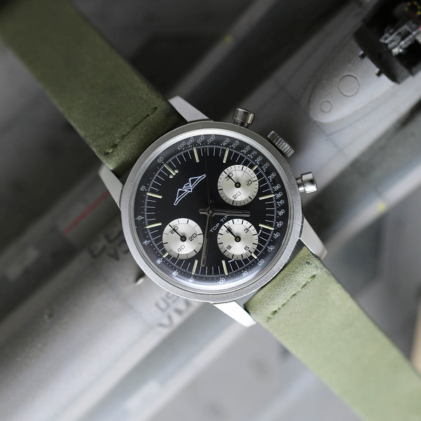 Breitling-810-AOPA-1.jpg