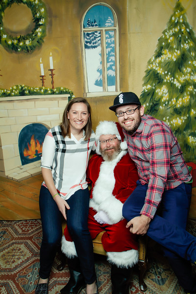 Pictures with Santa at Gezellig-111.jpg