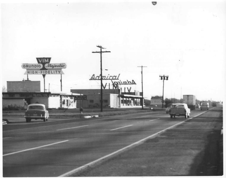 VIM 22 1960  red.jpg