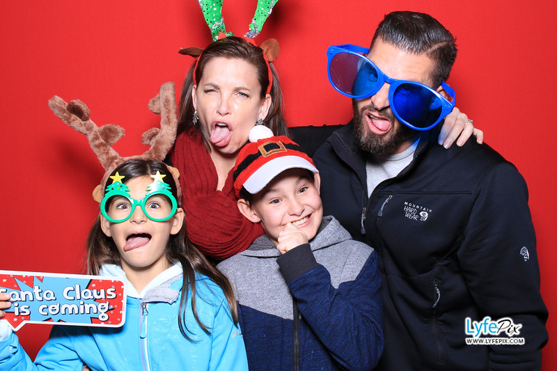 eastern-2018-holiday-party-sterling-virginia-photo-booth-0053.jpg