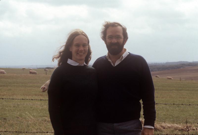 1981-09 English Countryside John Chris & Pigs.jpg