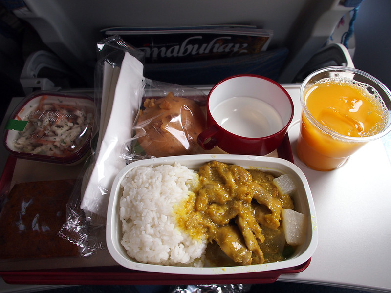 P9252000-sgn-mnl-lunch.JPG