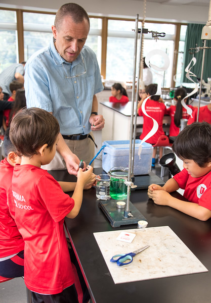 Gr. 2 Science Experiment-untitled shoot-YIS_6876-2018-19.jpg