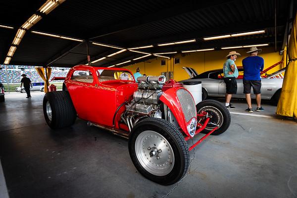 Vintage Garage Racers