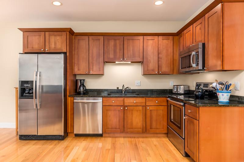 2-Kitchen 2.jpg