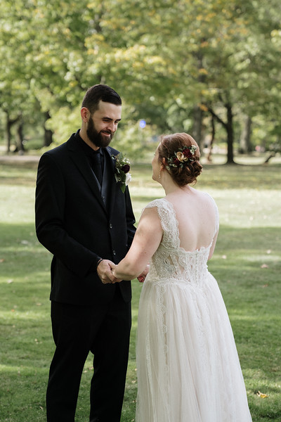 rustic_ohio__fall_barn_wedding-78.jpg