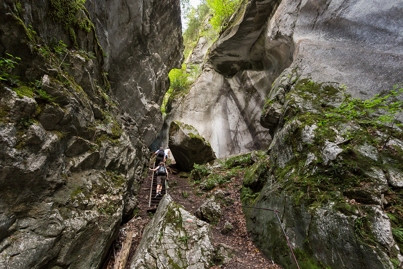 savoie-sixt-fer-a-cheval-foret-canyon-village-orage_D3_6703.jpg