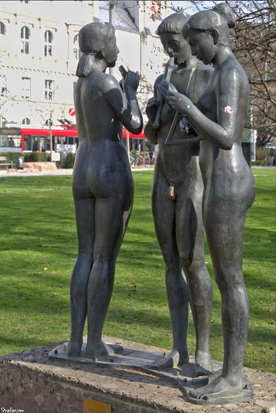 Skulptur Musizierende Dreiergruppe, Max Rieder, 1957 Salzburg, 04/02/2019 This work is licensed under a Creative Commons Attribution- NonCommercial 4.0 International License