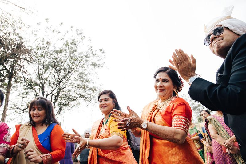 Poojan + Aneri - Wedding Day EOSR Card 1-0568.jpg
