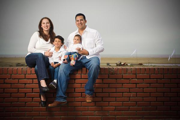 Flores Family (Family Portraits, Rio Del Mar / Seacliff Beach)