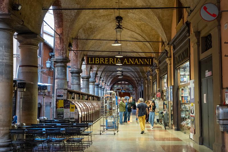 Portico bookstore in Bologna