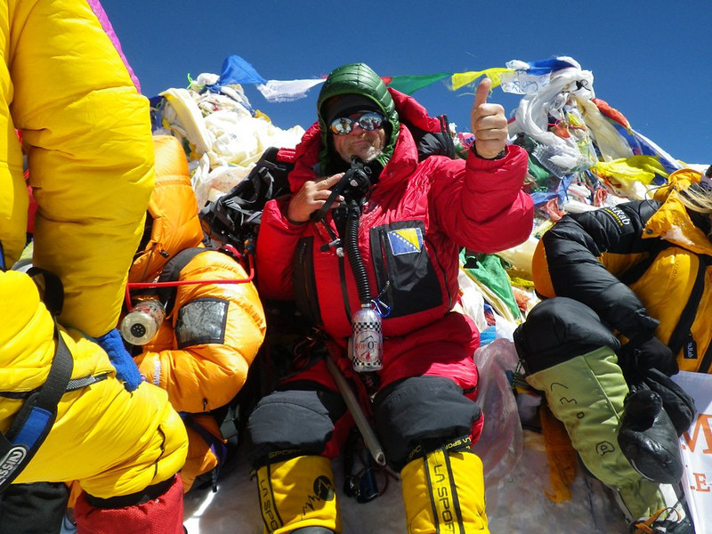 At the roof-top of the world: Mt Everest at 29,035ft or 8.850m - 1. 10am - May 19, 2012.