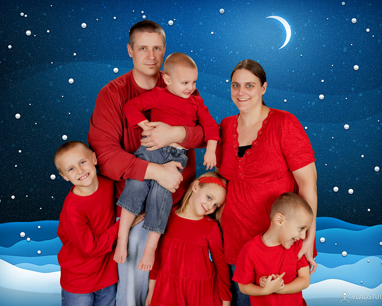 34 Wiley Family Dec 2012 (10x8)(with background) 2.jpg