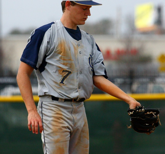 \\hcadmin\d$\Faculty\Home\slyons\HC Photo Folders\HC Baseball vs Ehret_2_4_12\SEL 154.JPG