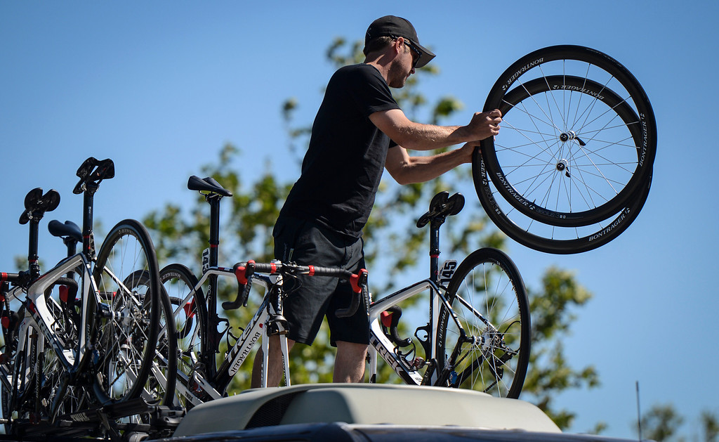 . Teams unload bikes for the start of Stage 3 of the Amgen Tour of California.  Stage 3 winds from Palmdale to Santa Clarita.    Photo by David Crane/Staff Photographer