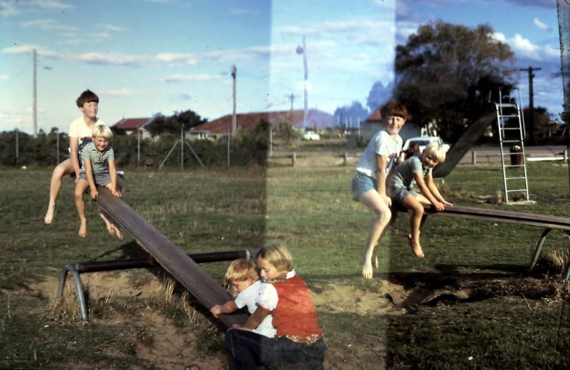 1975-3 (21) David 11 yrs, Andrew 5 yrs,  Allen 3 yrs, Susan 9 yrs @ Hastings.JPG