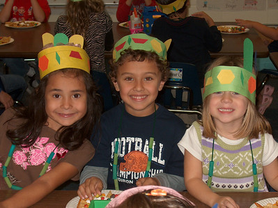 Niland's Class Celebrates Thanksgiving