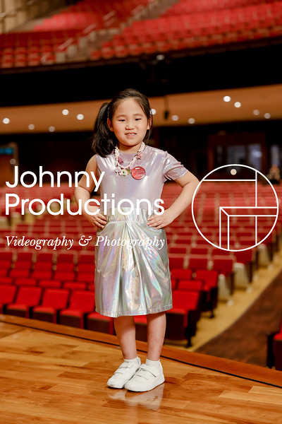 0020_day 1_orange & green shield portraits_red show 2019_johnnyproductions.jpg