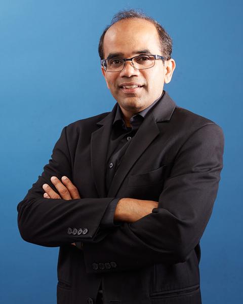 rahul024_vert_hires.jpg