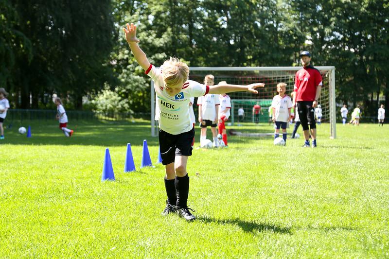hsv_fussballschule-441_48048037097_o.jpg