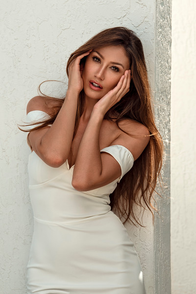 @raysaperes 5'9 | Shirt S | Dress 4 | Bust 34 B | Shoe 9 | 125 lbs Ethnicity: Russian, Spanish,  Skills: Fluent in Russian, Spanish and English, TV Host, Master in Rhythmic Gymnastics, Experience Print Fashion Model
