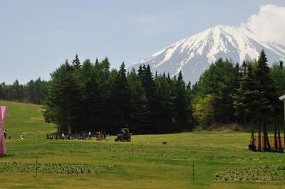 Tree Planting at Mt. Fuji/富士山での植樹