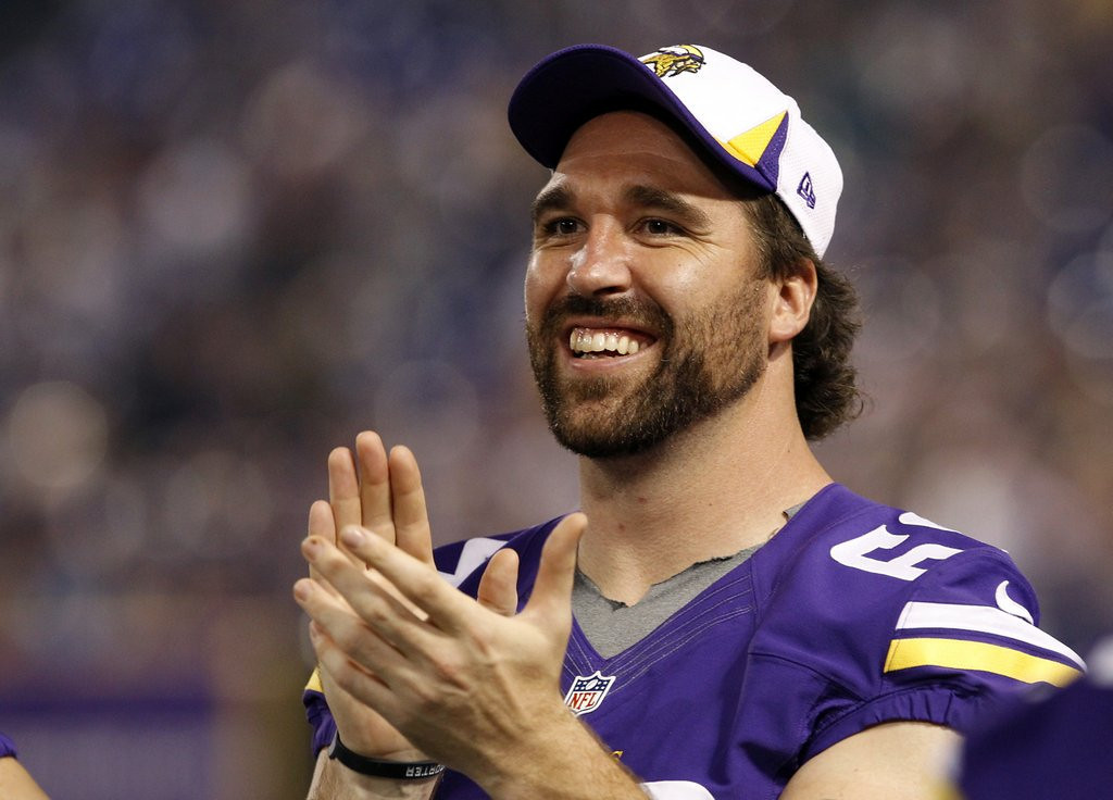". <p>6. JARED ALLEN <p>He can still play. His new pals on Bears defense, not so much. (1) <p><b><a href=\'http://www.twincities.com/sports/ci_25422306/jared-allen-going-chicago-bears-four-year-deal\' target=""_blank\""> HUH?</a></b> <p>   (AP Photo/Ann Heisenfelt, File)"