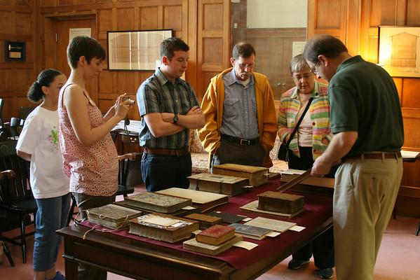 VSU SOLIS visiting Pitts Theology Library