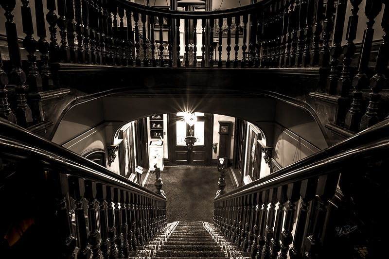 Glanmore House staircase, Belleville, February 23, 2018, Canon 6D, 20mm, 15 sec, F13, ISO 50