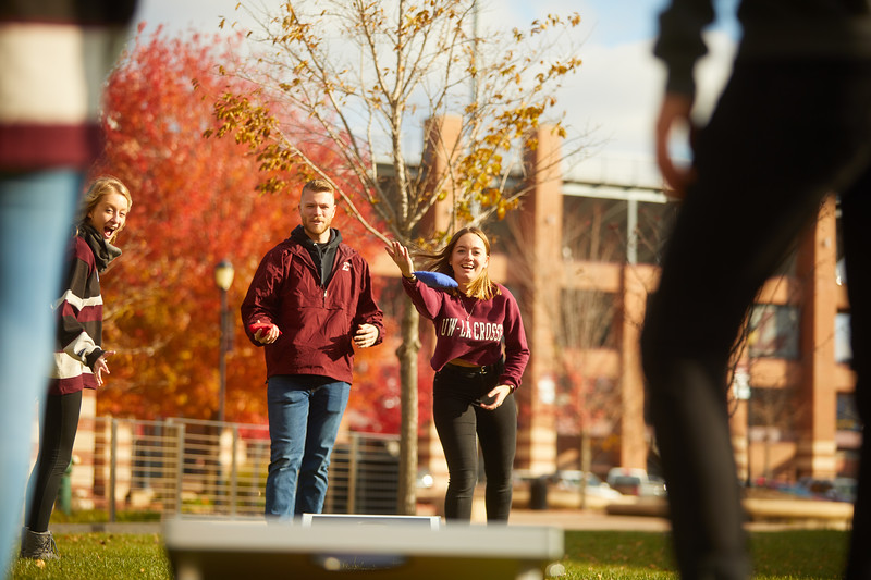 2019 UWL Fall Colors Students Vanguards Outside 0122.jpg