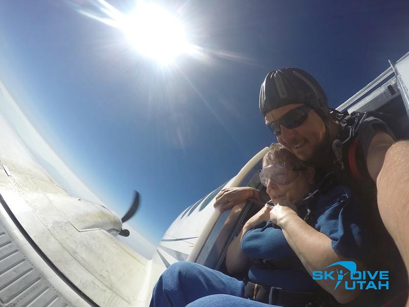Lisa Ferguson at Skydive Utah - 17.jpg