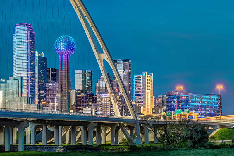Dallas through the Margaret McDermott Bridge