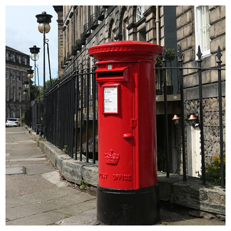 Red post box.jpg