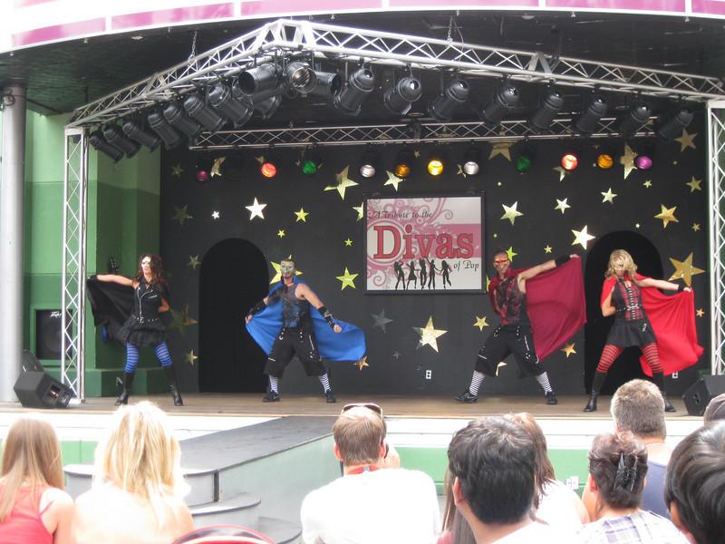 Tribute to the Divas of Pop show.
