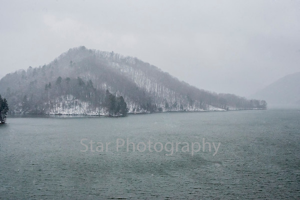 Snow Photos From Watauga Lake 03-26-13