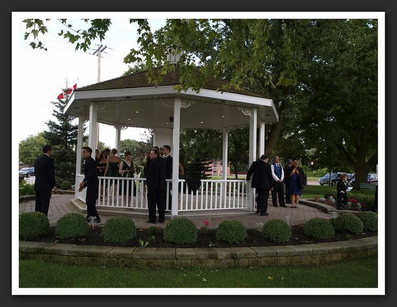 Bridal Party Family Shots at Stayner Gazebo 2009 08-29 088 .jpg