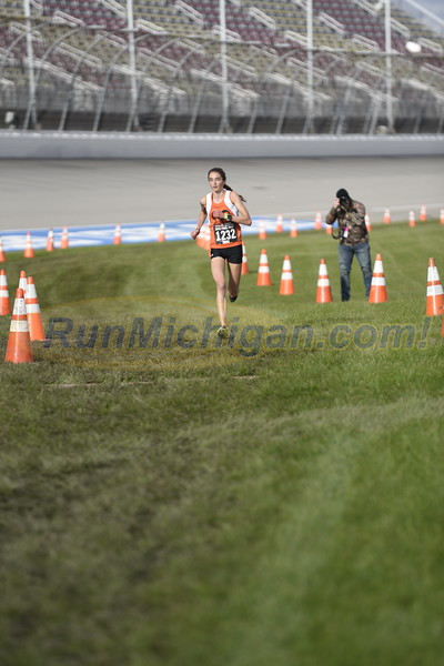 D1 Girls' Finish Gallery 1 - 2018 MHSAA LP XC Finals