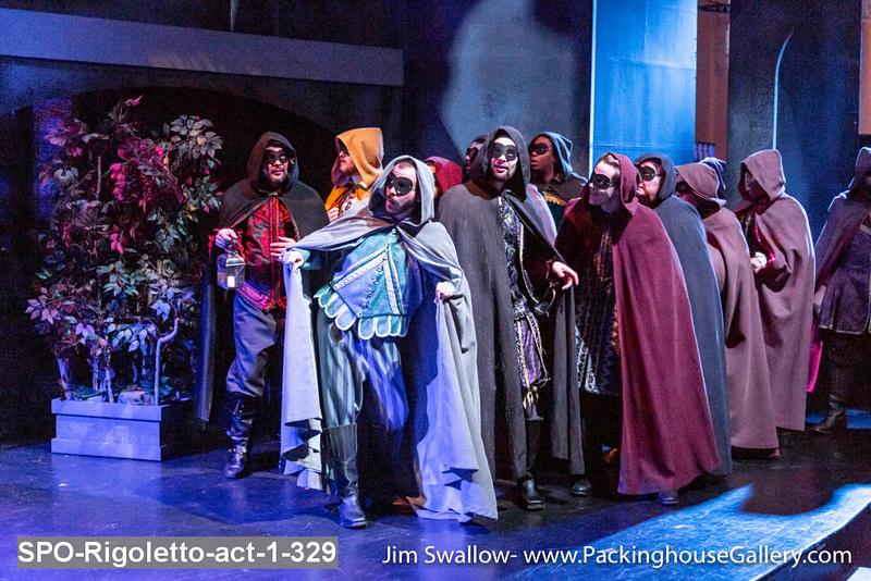 SPO-Rigoletto-act-1-329.jpg