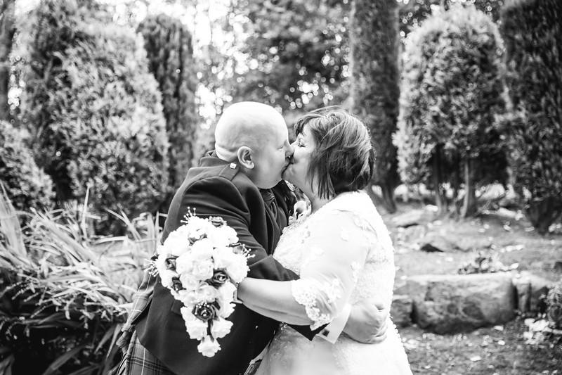 Mr & Mrs Curlis-4.jpg