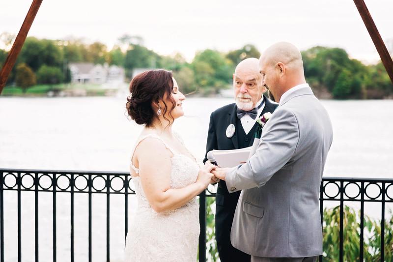 chateau-on-the-river-trenton-michigan-wedding-0301.jpg