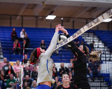 LB VB vs Coldwater in D3 District Final (2019-10-24)