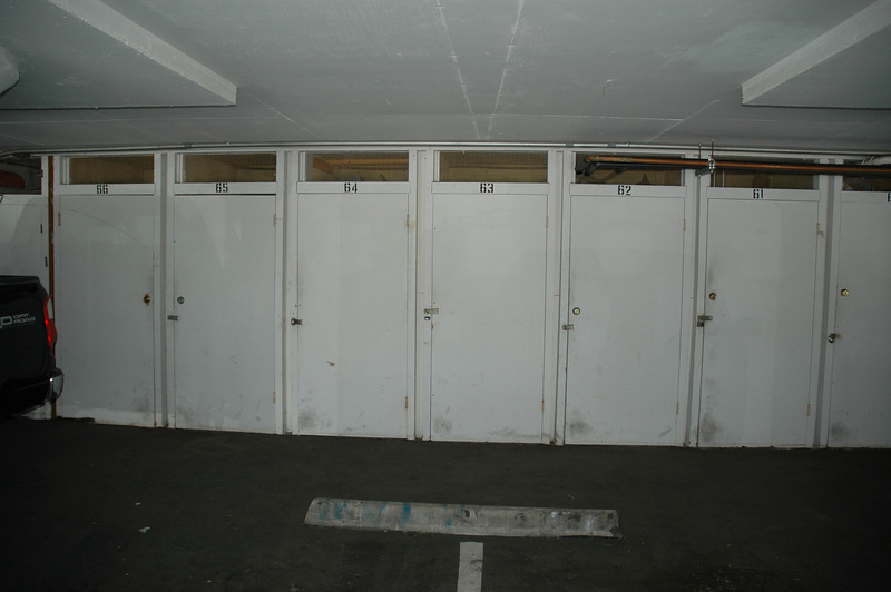 Locking storage unit...