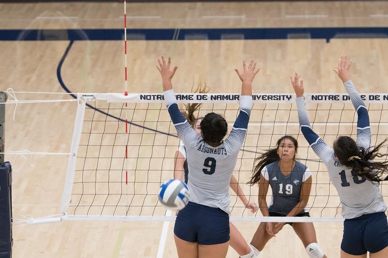 HPU Volleyball-92372.jpg