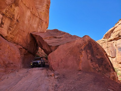 Long Canyon Road - Shafer Trail