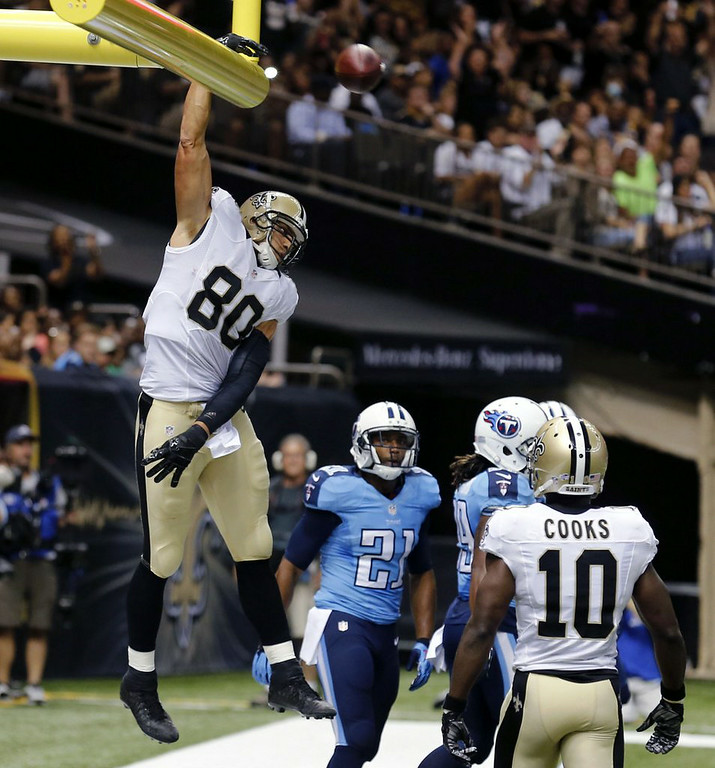 """. 10. (tie) JIMMY GRAHAM <p>Gets TWO penalties for dunking over the goalpost, setting new NFL record for self-absorption. (unranked) </p><p><b><a href=\""""http://www.nfl.com/news/story/0ap3000000378611/article/jimmy-graham-flagged-twice-for-goalpost-dunks\"""" target=\""""_blank\""""> LINK </a></b> </p><p>   (AP Photo/Bill Haber)</p>"""