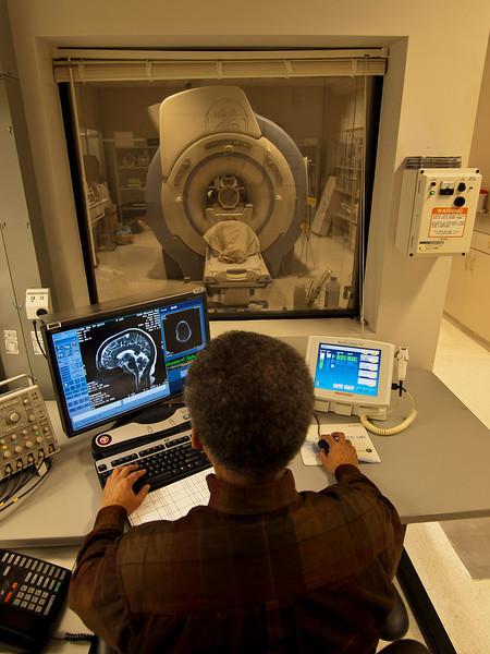 Surbeck Lab_MRI 08.jpg