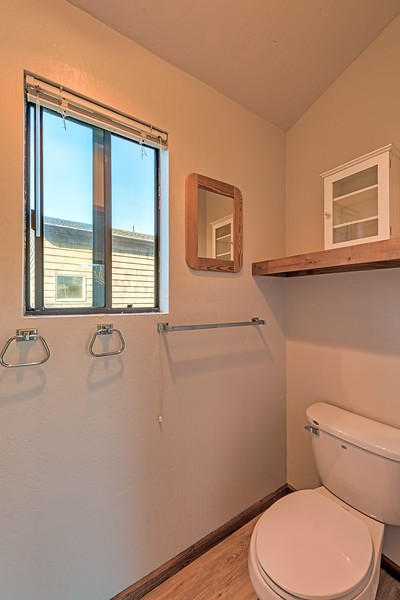Studio/Guest House Bathroom