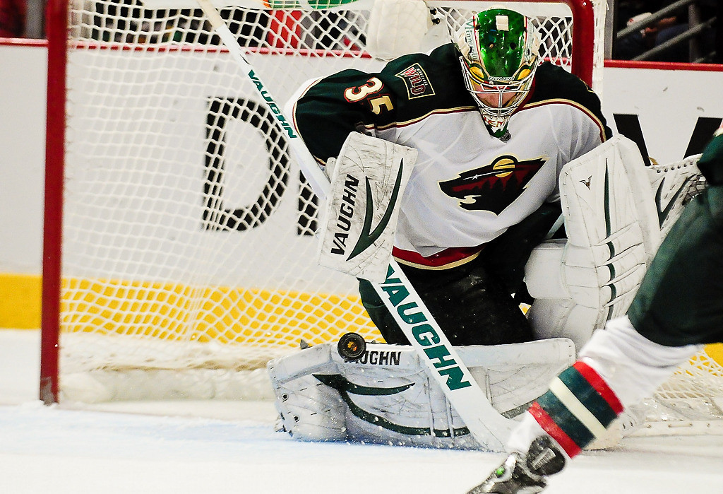 . Minnesota goalie Darcy Kuemper makes a save in the third period. (Pioneer Press: Ben Garvin)