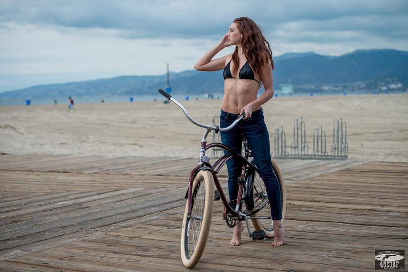 Green Eyes! Pretty Brunette in Santa Monica! Nikon D800 + 70-200mm VR2 F/2.8 Nikkor Lens Photos