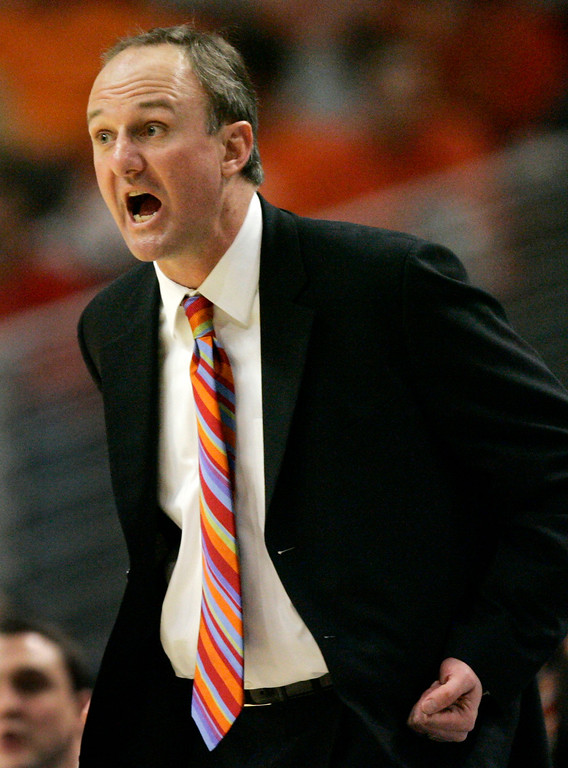 . Ohio State coach Thad Matta yells out to his players during the second half of their Big Ten Tournament basketball semifinal game against Purdue in Chicago, Saturday, March 10, 2007.  (AP Photo/Brian Kersey)